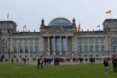 Unsere Reise beginnt mit einem großen Konzert vor dem Reichstag